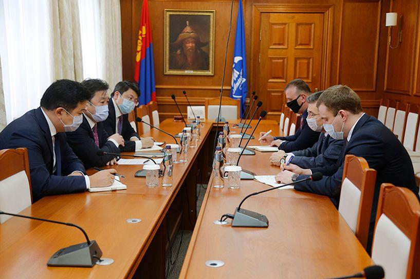 Монголбанкны ерөнхийлөгч Б.Лхагвасүрэн ОХУ-ын Элчин сайд И.К.Азизов нартай уулзлаа