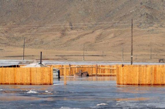 Шар усны үер болон мөс цөмрөх аюулаас сэрэмжтэй байхыг анхааруулж байна