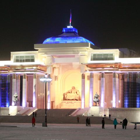 Улаанбаатар хотод  6-8 градус дулаан байна