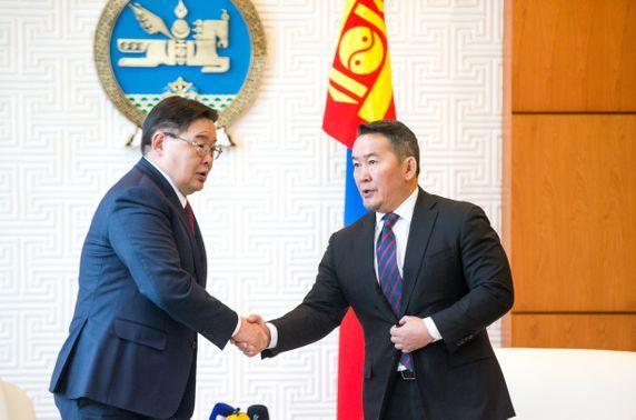 Монгол гэдэг эрх ашиг дээр нэгдэж, нам харгалзахгүй хүчээ нэгтгэх цаг