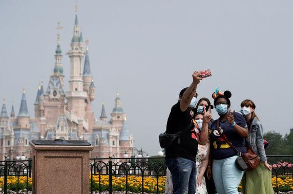 Шанхайн Disneyland өнөөдөр нээгджээ