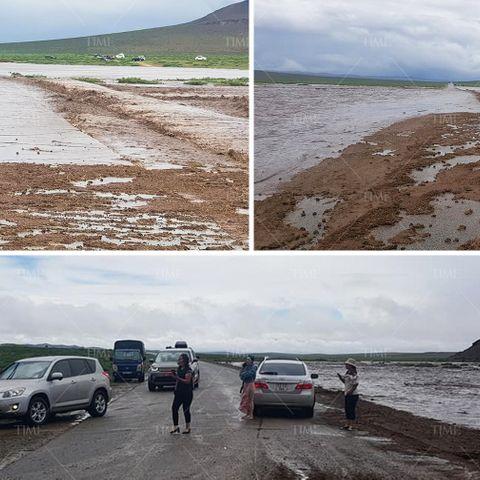 Төв аймгийн Лүн, Эрдэнэсант сумын нутагт үер бууж зам хаагджээ