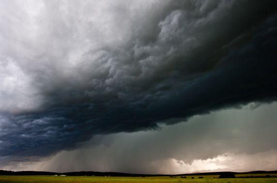 СЭРЭМЖЛҮҮЛЭГ: Наадмын өдрүүдэд дуу цахилгаантай бороотой
