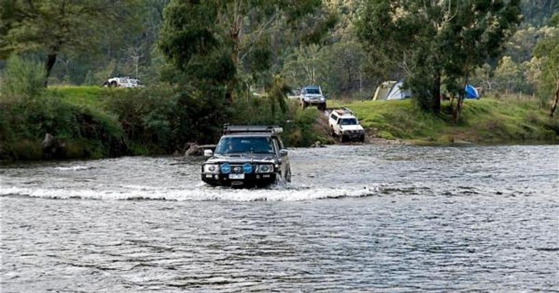 Бэлтэсийн голд автомашинтайгаа живсэн таван иргэний цогцсыг олжээ