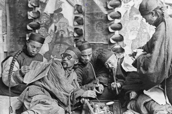 Хар тамхитай тэмцэж ирсэн монголчуудын түүхэн уламжлал