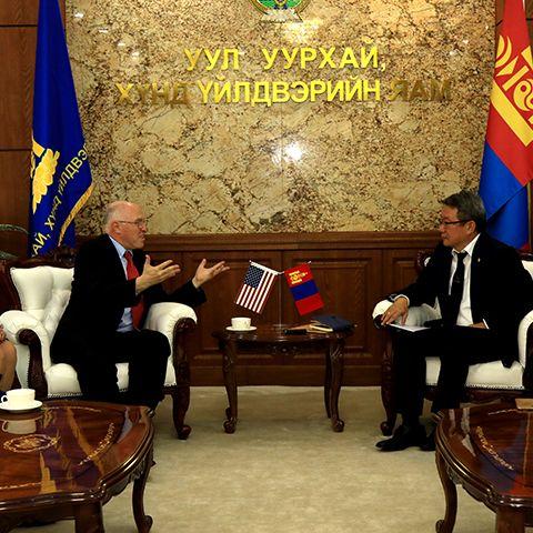 Монгол Улсын уул уурхайн салбарт хамтран ажиллах хүсэлтэй гэдгээ илэрхийллээ