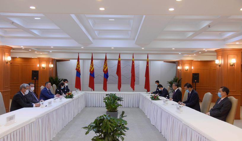 БНХАУ-ын Гадаад хэргийн сайд Ван И Монгол Улсын Ерөнхийлөгч Х.Баттулгад бараалхлаа