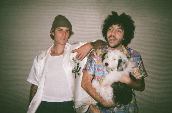 Жастин Бибер Бенни Бланкотой хамтран шинэ уран бүтээл хийжээ