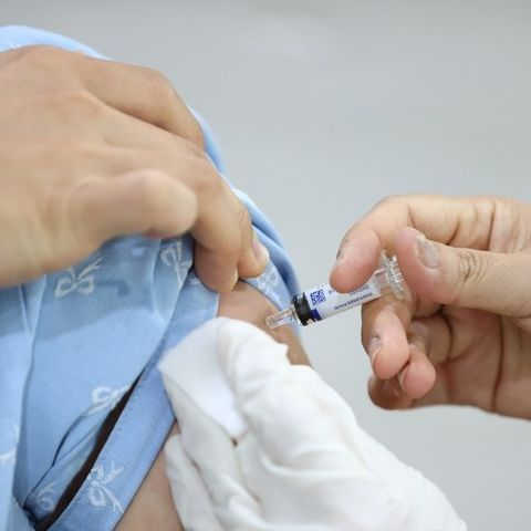 БНСУ-д томуугийн вакцин хийлгэж нас барсан хүний тоо 30 давлаа