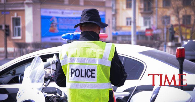 Согтуу жолооч цагдаагийн албан хаагчийг мөргөж амь насыг нь хохироожээ