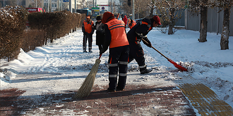 Тохижилт үйлчилгээний 1,164 ажилтан нийслэлийн зам талбайг цэвэрлэж байна