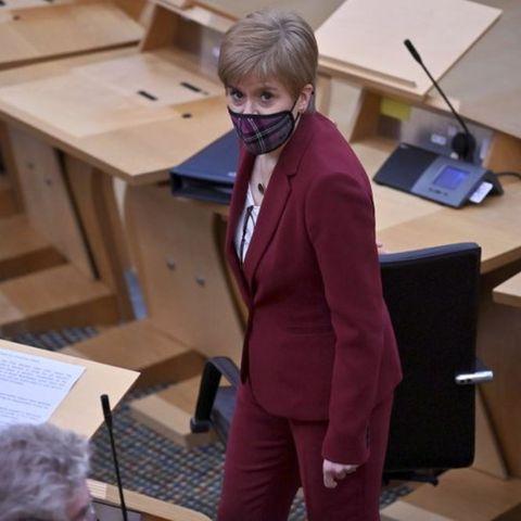 Шотландын тэргүүн сайд Старжеон тусгаар тогтнолын талаар бүх нийтийн санал хураалт зарлахаа амлалаа