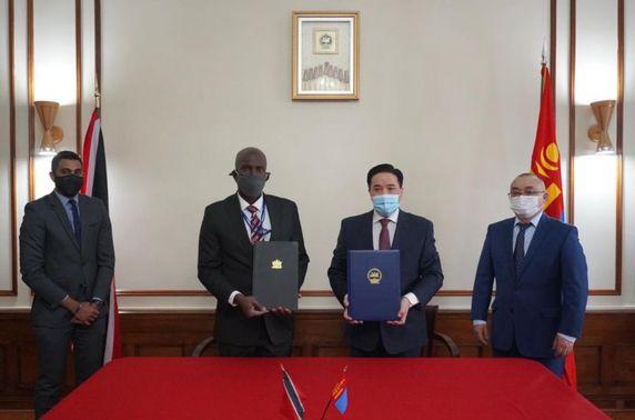 Тринидад ба Тобаго улстай дипломат харилцаа тогтоолоо