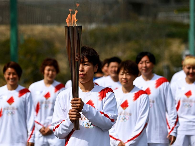 Олимпийн бамбарыг буухиалахдаа олон нийтийн газраар явахгүй гэв
