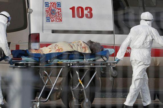 ЭМЯ: Вакцин хийлгэсэн 2304 хүн халдвар авч, гурван хүн нас барсан