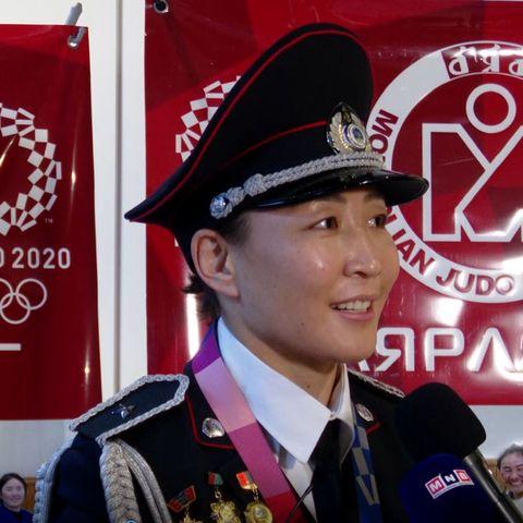 М.Уранцэцэг: Дутуу байсан олимпын медалиа авсандаа баяртай байна