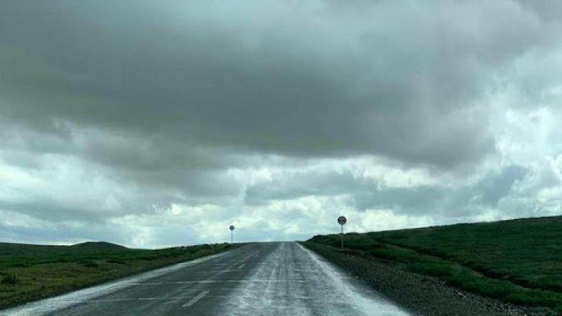 Нутгийн хойд хэсгээр бага зэргийн бороо орж, сэрүүхэн байна