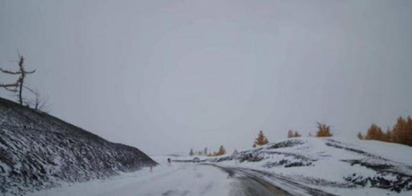 Нойтон цас орж, хүйтрэх тул зам, даваанд халтиргаа гулгаа үүсэхийг анхааруулж байна